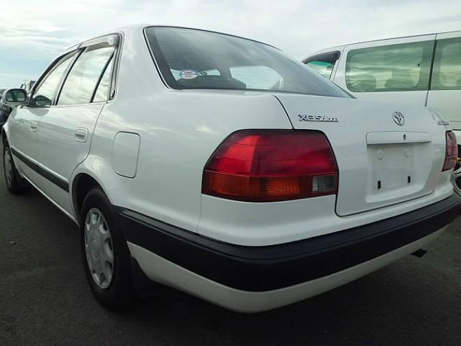 xe.saloon toyota corolla 1995