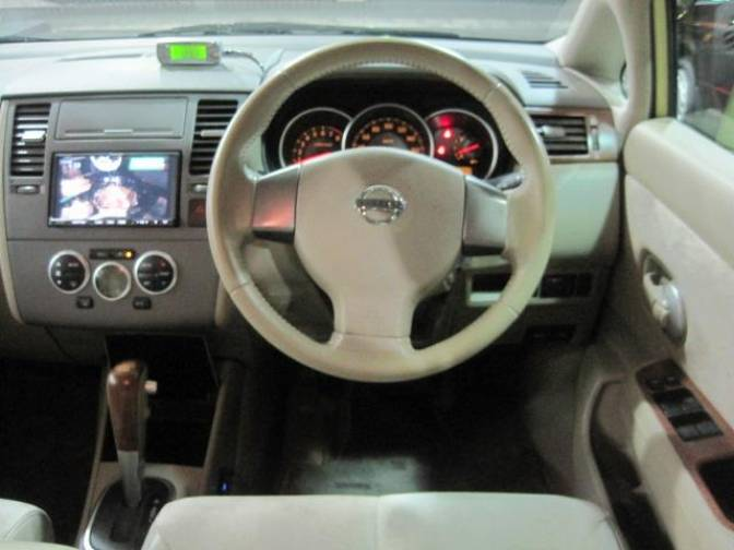 2005  6 nissan tiida c11 15m premium interior for sale
