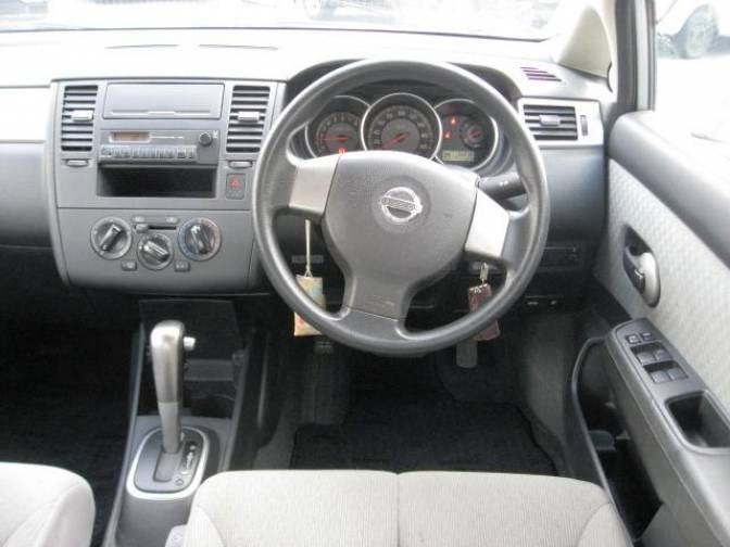 2006 Nissan Tiida Latio Sc11 15b For Sale Japanese Used