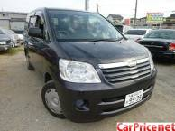 Toyota Noah AZR65G V selection